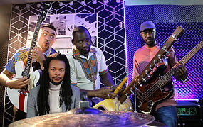 Sefo with full band.JPG