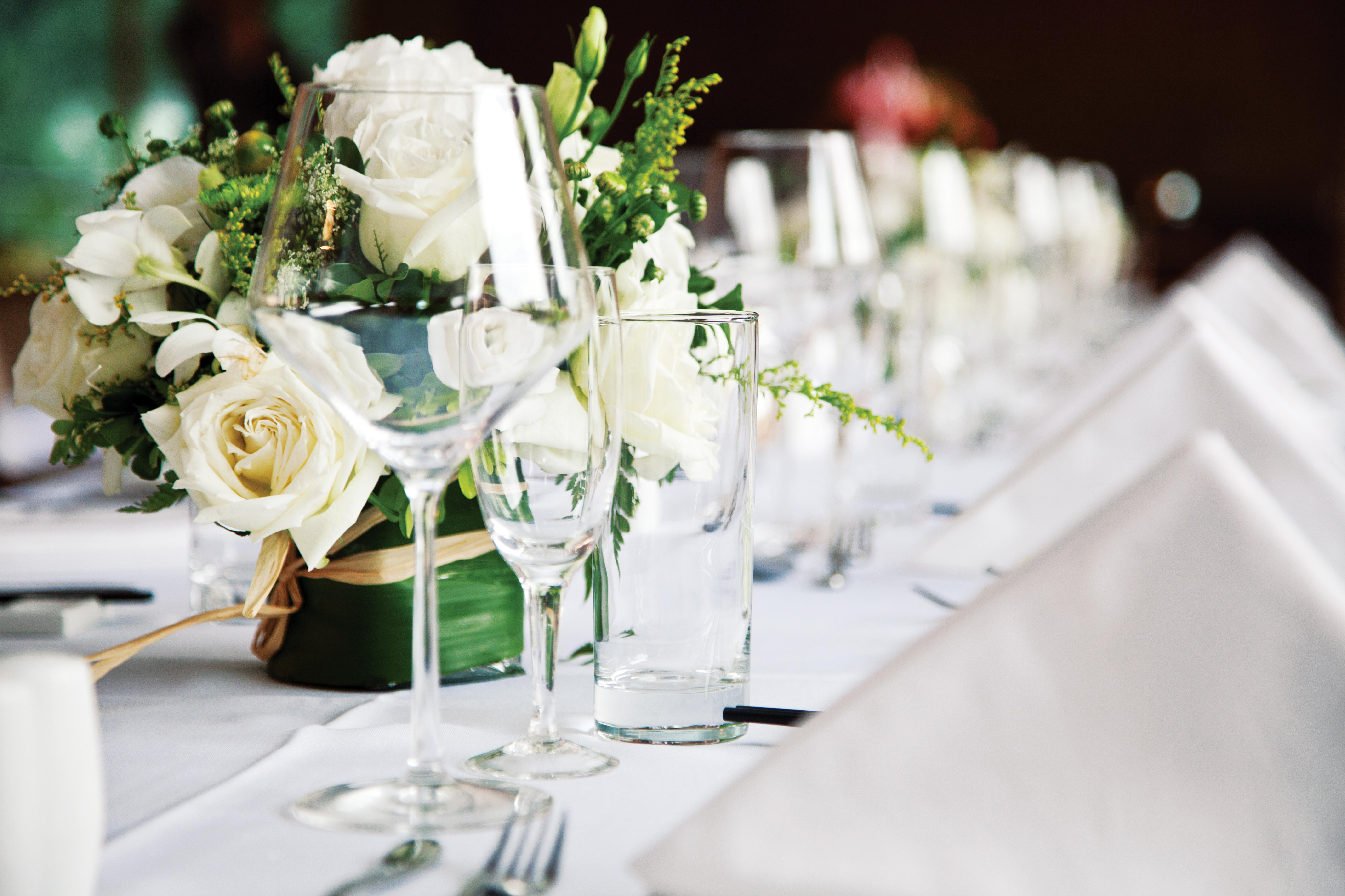restoran-table-168353903_5616x3744.jpeg