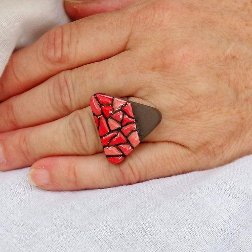Bague triangle rouge et noire Céramique Création artisanale