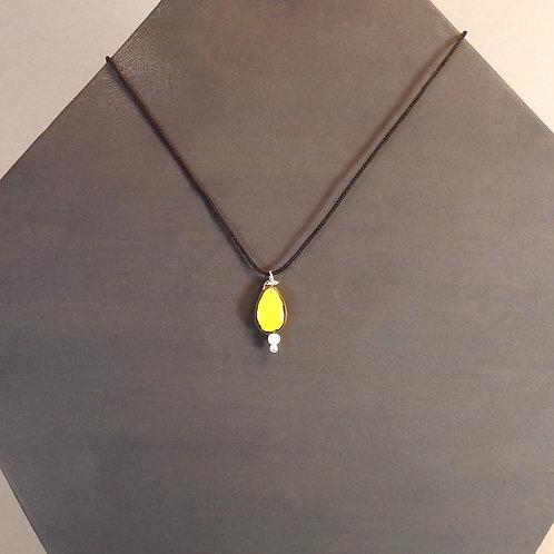 Collier goutte jaune Pendentif en céramique Création artisanale