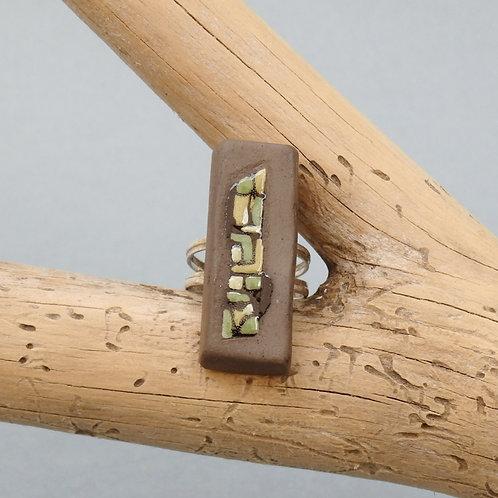 Bague rectangle verte et noire en céramique Création artisanale