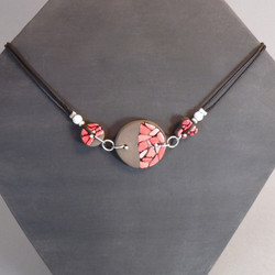 Collier rouge 38€