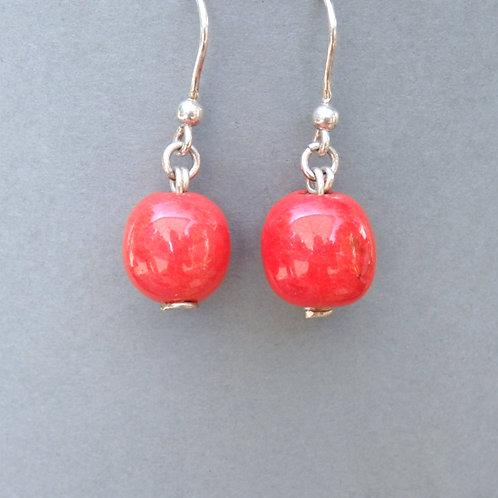 Boucles d'oreilles boule rouge sur argent Céramique Création a