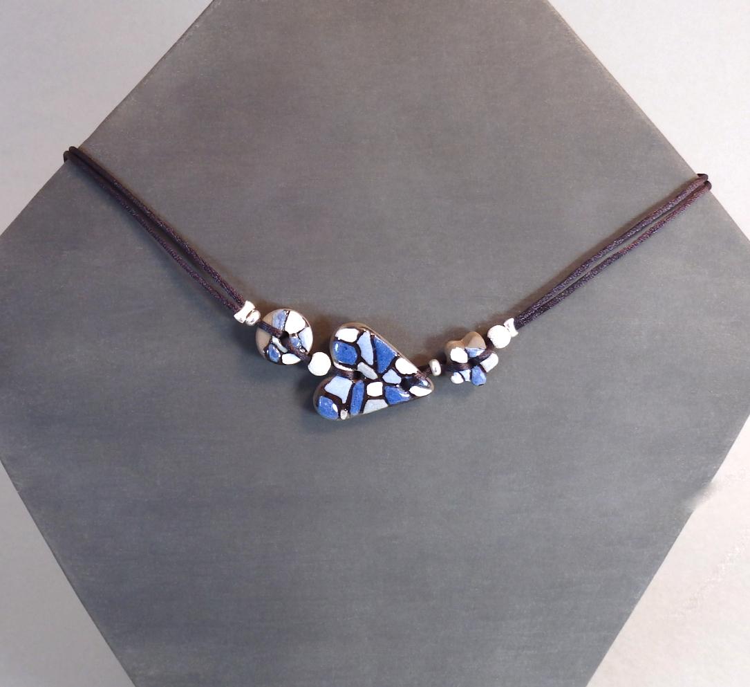 Collier bleu 38€