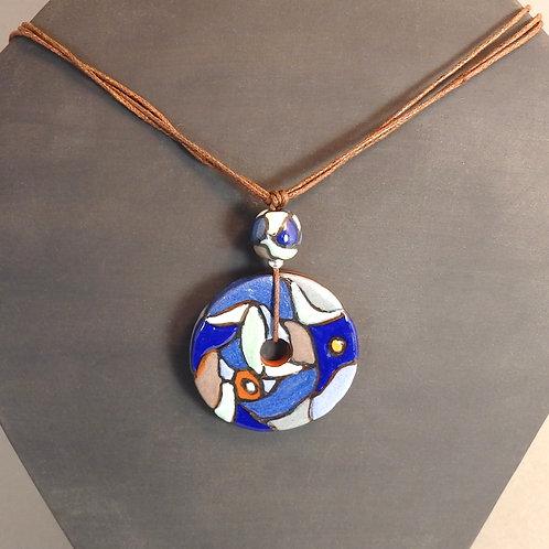 Sautoir perles bleues Pendentif donut et boule en céramique artisanale