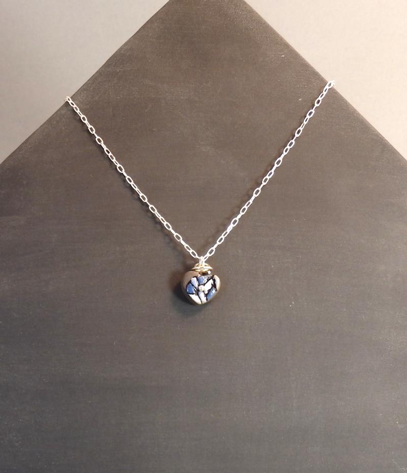 Collier bleu 29€