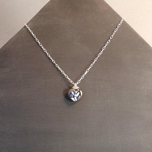 Collier perle bleue en céramique avec tige bélière sur chaîne en argent