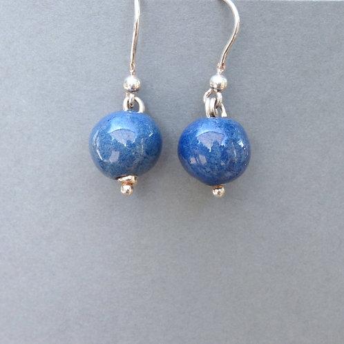 Boucles d'oreilles boule bleue sur argent Céramique Création a