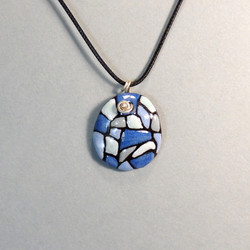 Collier bleu 26€