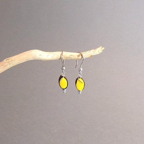 Boucles d'oreilles grain de riz jaune et noir sur argent