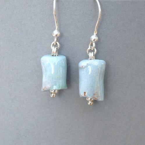 Boucles d'oreilles tube bleu clair sur argent Céramique Création a