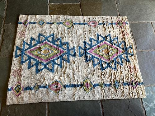 Geometric pattern shaggy wool rug