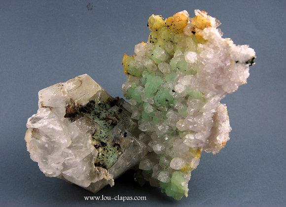 Prehnite / Quartz / Calcite /Babingtonite