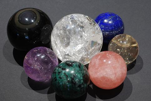 Minéraux de collection - pierres façonnées