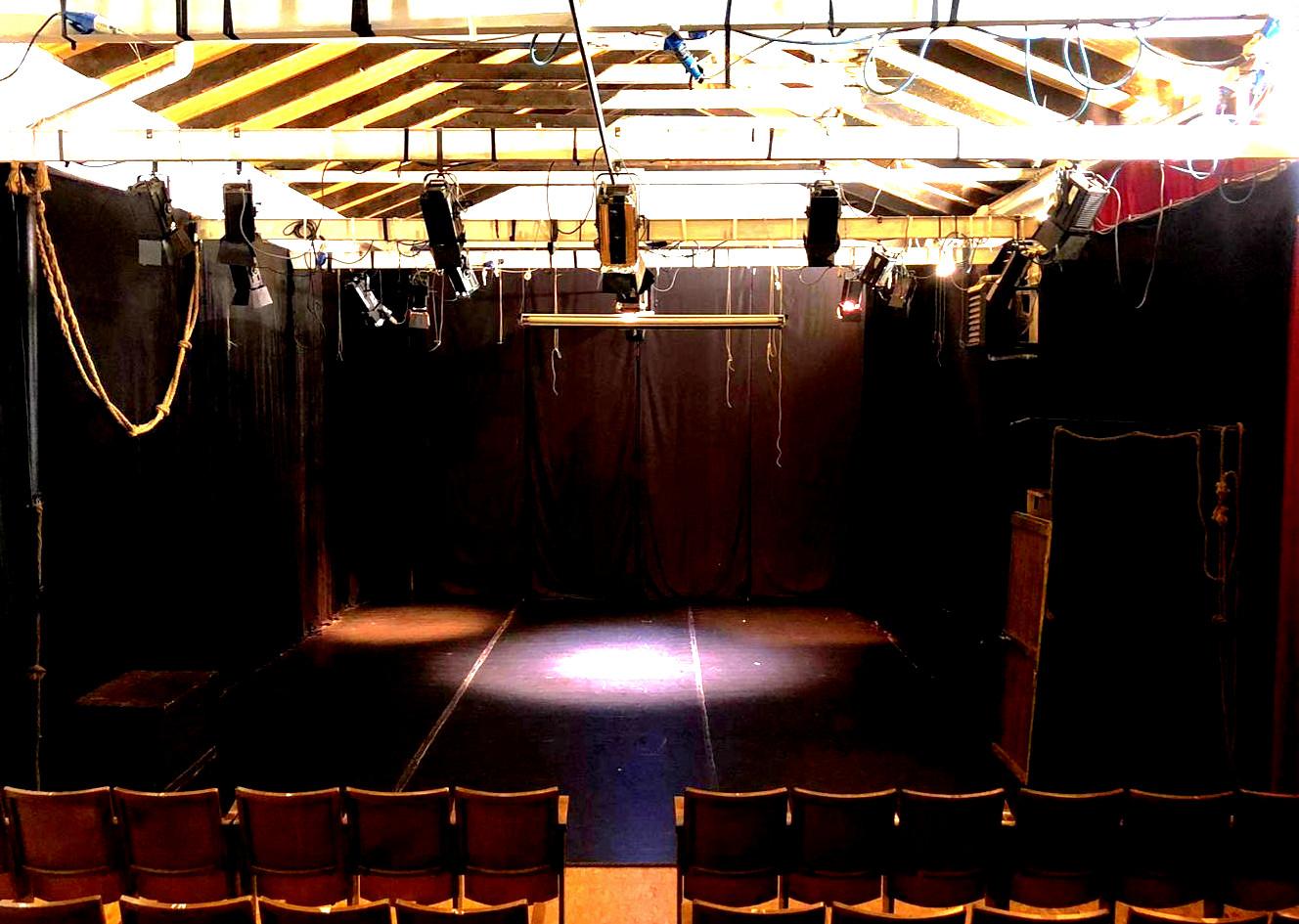 Teatro Renzo Casali.jpg