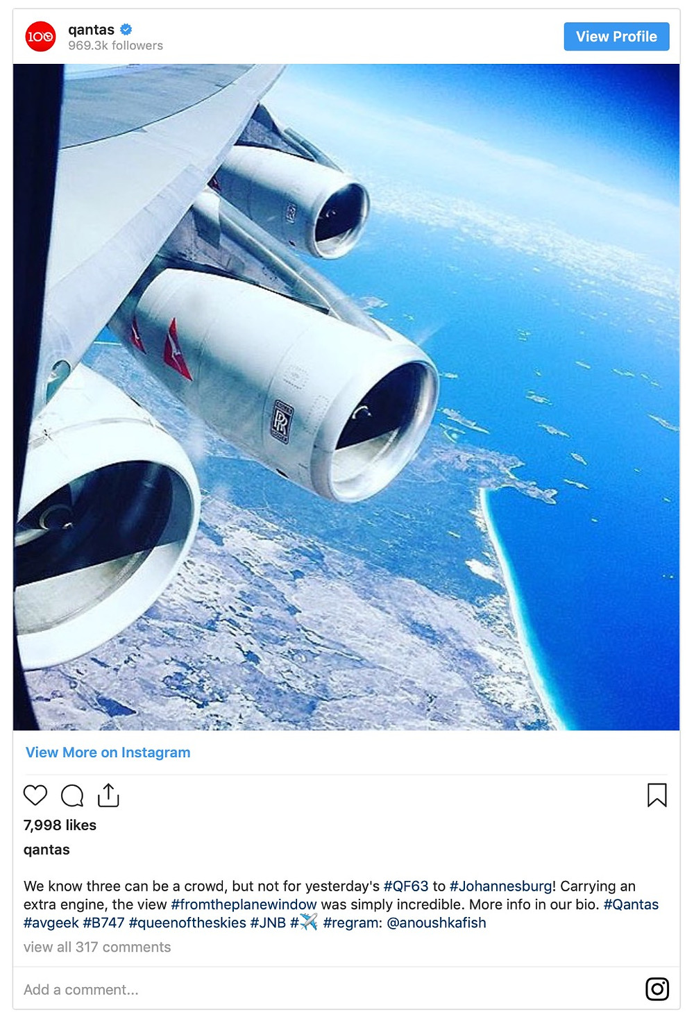 A Qantas Boeing 747 flying with five engines?!