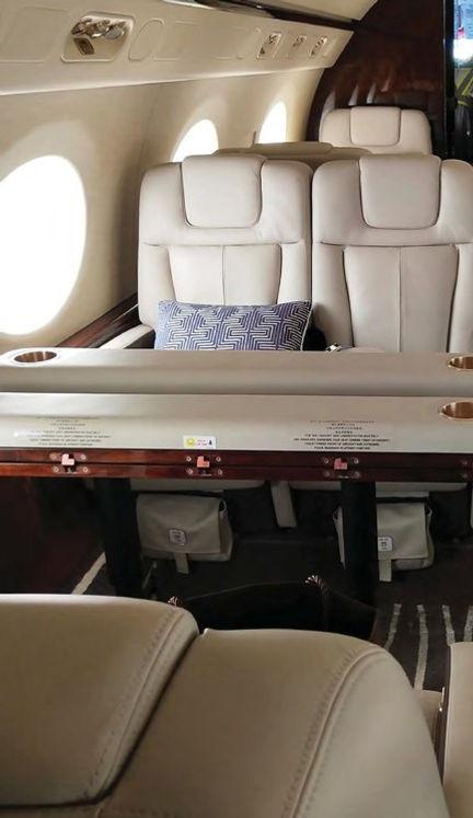 Gulfstream G550 7.jpg