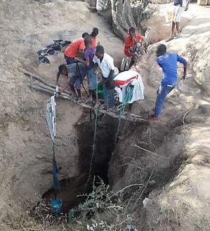 one water hole near Mwalwigi.jpg