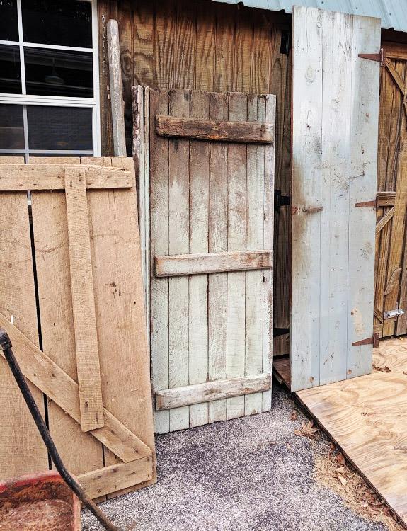 Western style saloon doors - 2 sets - easily paintable