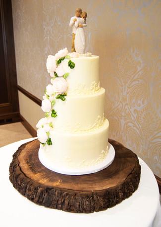 Engraved Walnut Cake Stand 4.jpg