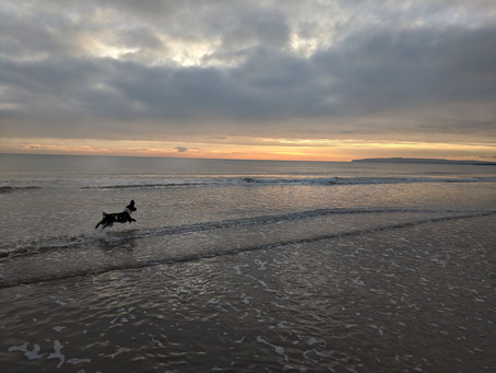 Sunset over Camber Sands, £2 pints, FREE SOLO, and our First Blog Entry