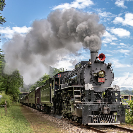 Grab Your Ticket to Ride: 5 Ways to Experience the Great Smoky Mountain Railroad