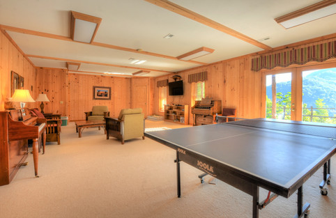 Lodge Gameroom