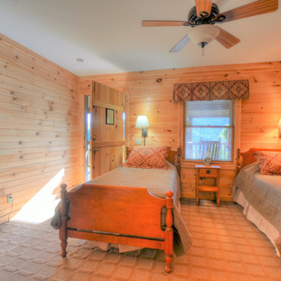 Handicap accessible lodge room with two twin beds