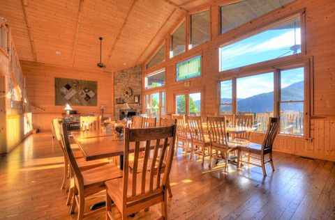 Group Lodge Dining