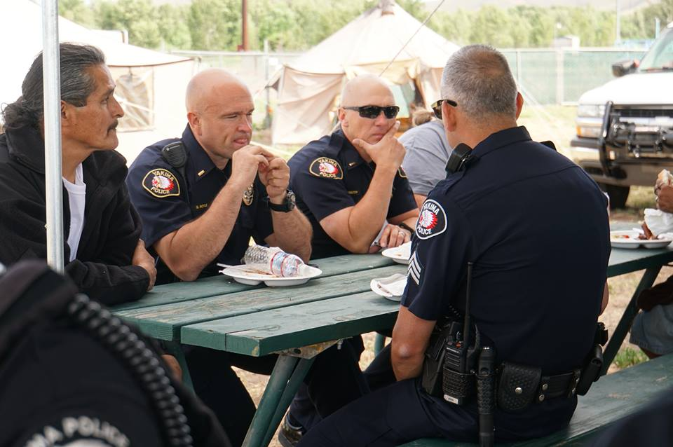 police officers eating lunch with us