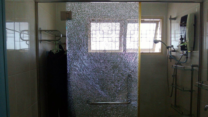 Alpha1_WIndow_Tint_broken_glass_Shower_S