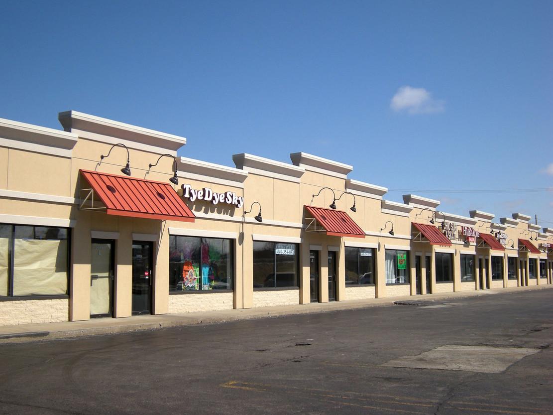 Freeway Plaza
