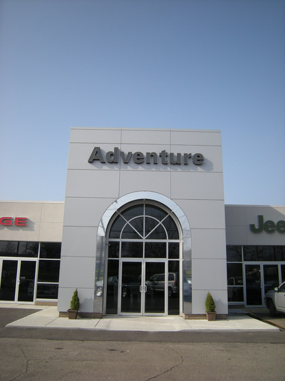 Adventure Jeep Chrysler, Willoughby