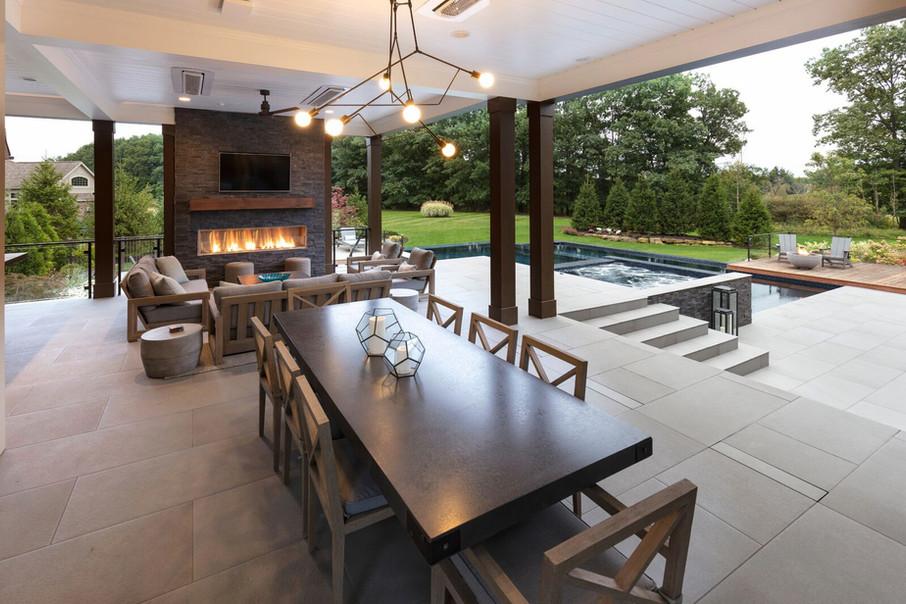 Contemporary Pool & Lanai