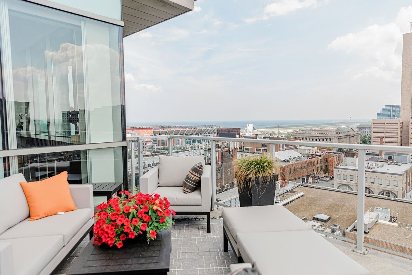 Downtown CLE Loft with a View