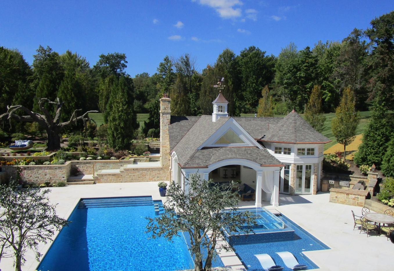 Pool House Resort