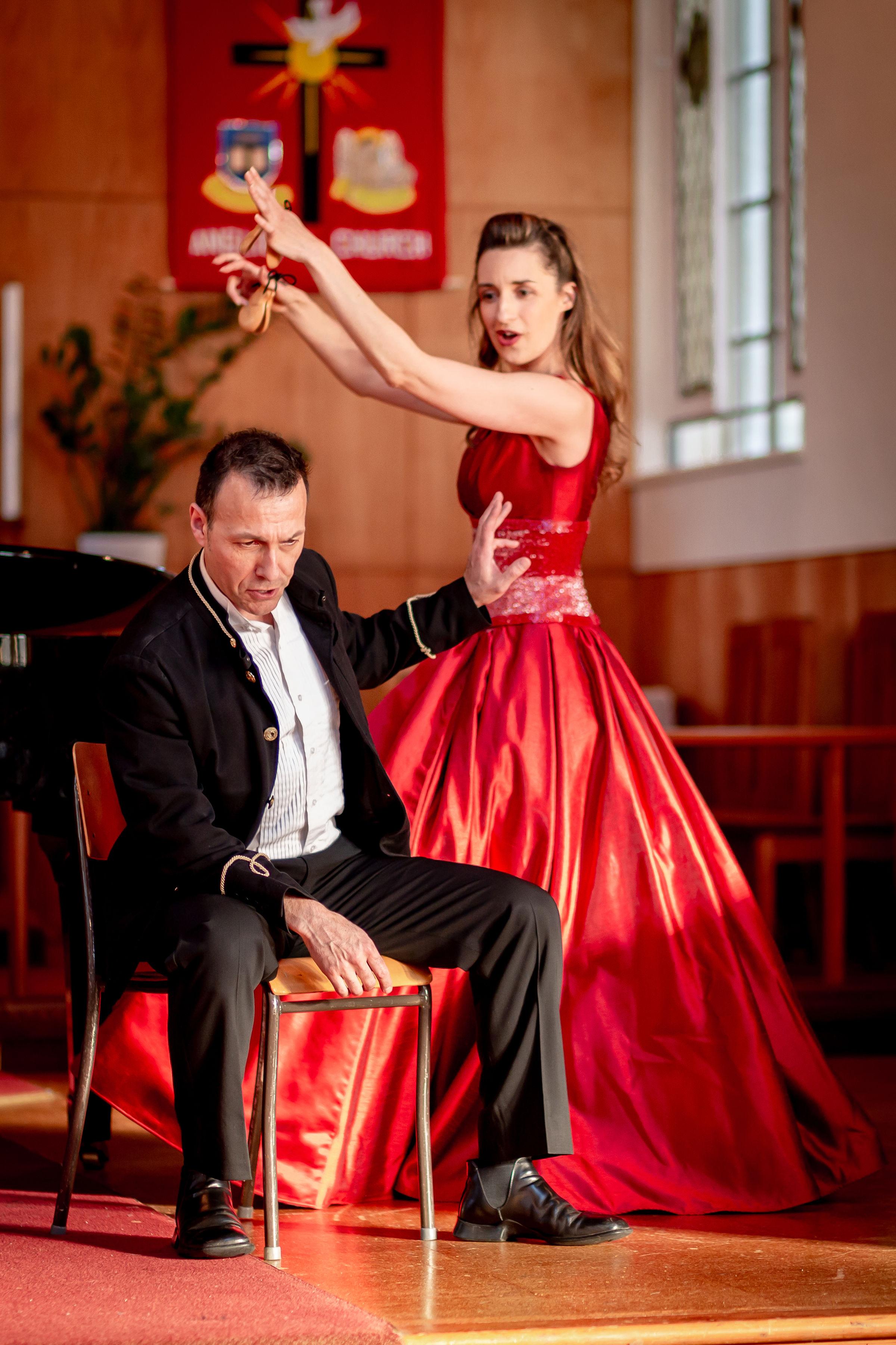 Carlos & Olesia in 'Roses & Daggers'