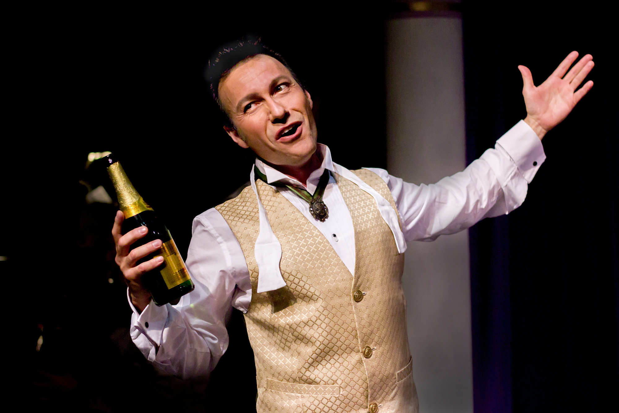 Carlos as Danilo in The Merry Widow