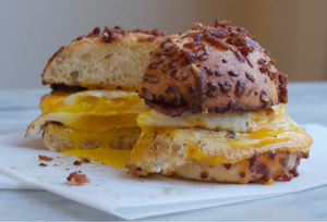 Bacon, uova e formaggio