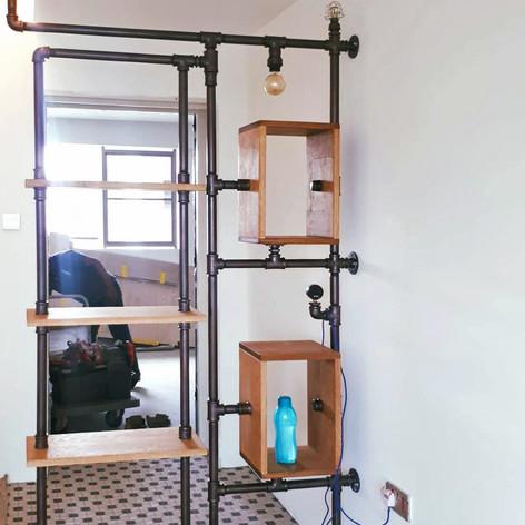 Divider with Semi Mobile Shelf