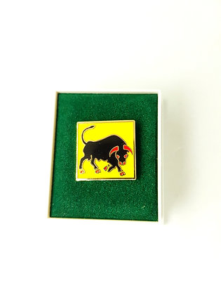 The 11th Armoured Division lapel badge