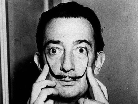 O que Salvador Dali fazia para acordar mais criativo?