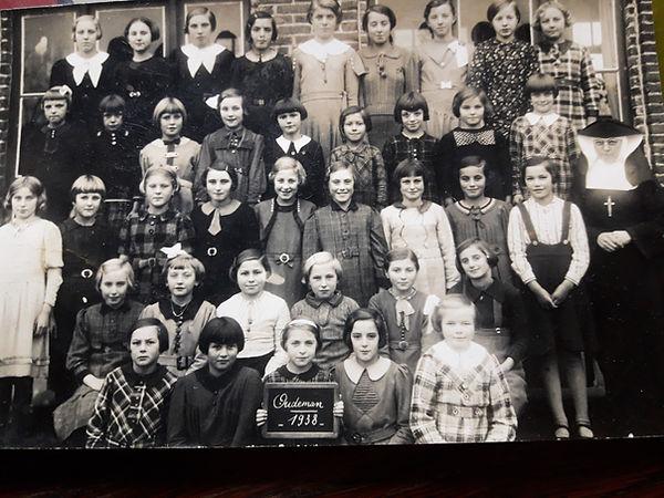 Waterland - klasfoto 1938 - Lieva Vermei