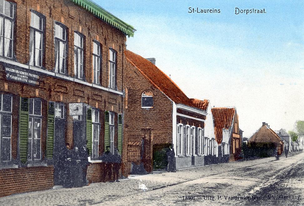 Sint-Laureins - Dorpsstraat.jpg