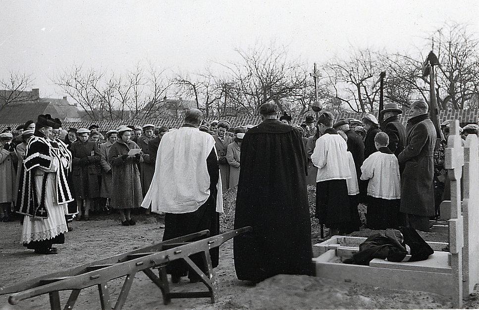 Sint-Laureins - begrafenis 2.jpg