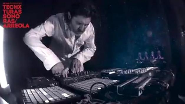 """Jairo Guerrero / Techxturas Sonoras en concierto. Interpreta en Vivo """"Gravitación"""" de Juan José Arreola."""