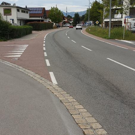 E40 - t1, Altach - Widenfeldstrasse L57 - Götzner Strasse - Richtung Mösle > Treibstoff/Ölaustrit