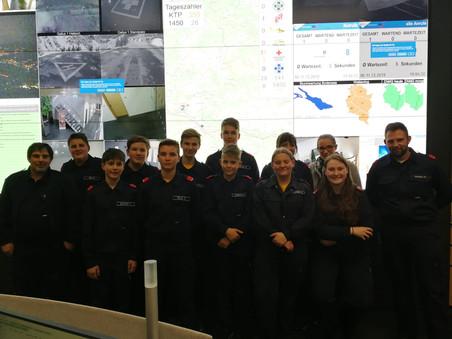 Feuerwehr-Jugend besucht die RFL
