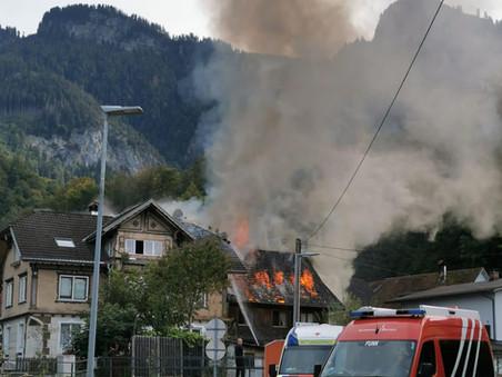 E46 - f4, Hohenems - Burgstrasse - Dachstuhlbrand