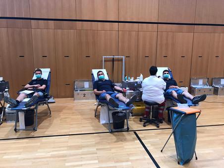 Feuerwehrkameraden spenden Blut und retten Leben